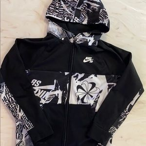 NIKE SB Full zip Therma fit graphic Hoodie size L
